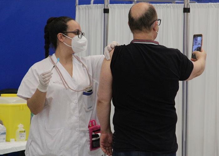 Avanza la vacunación masiva contra la COVID19 de la franja de edad de 59 a 50 años